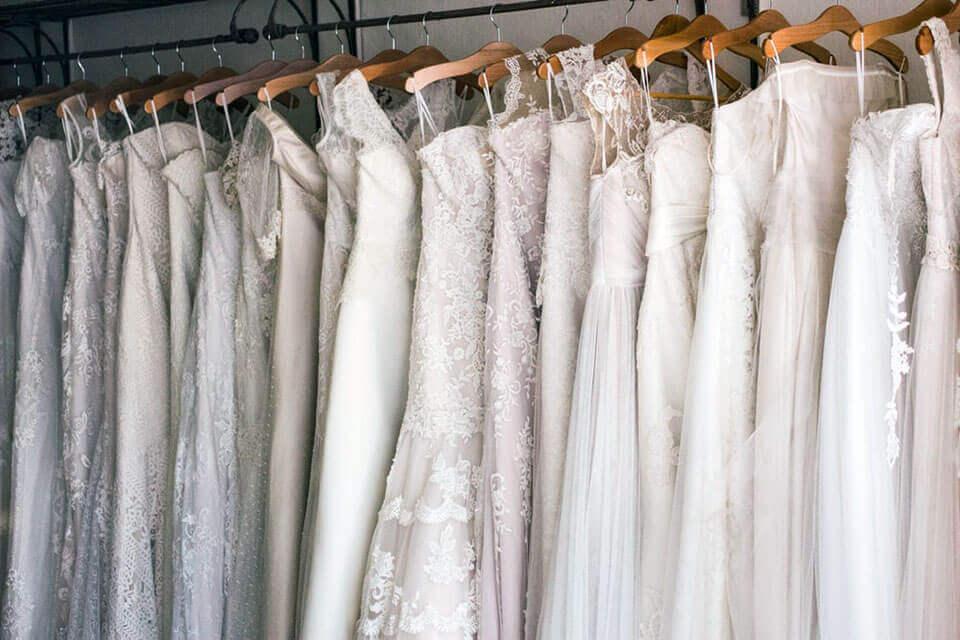 El Coronavirus es probablemente la razón por la que todavía estás esperando por tu vestido de novia